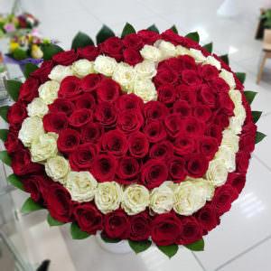 Букет роз в форме сердца #1