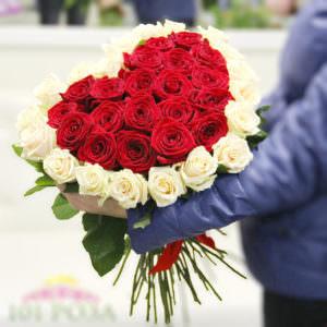Букет роз в форме сердца #2