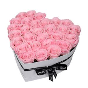 Розы в коробке в виде сердца #3
