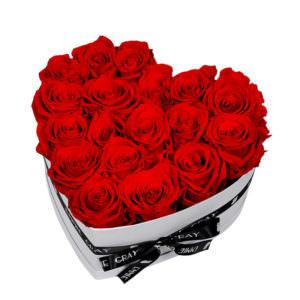 Розы в коробке в виде сердца #4