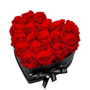 Розы в коробке в виде сердца #5