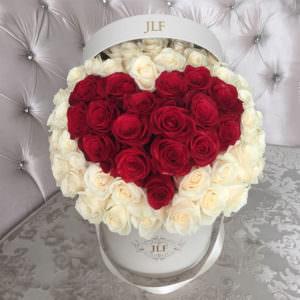 Розы в форме сердца в шляпной коробке #2